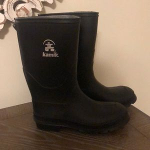 Kamik Boys Rainboots Brand New Sz 4